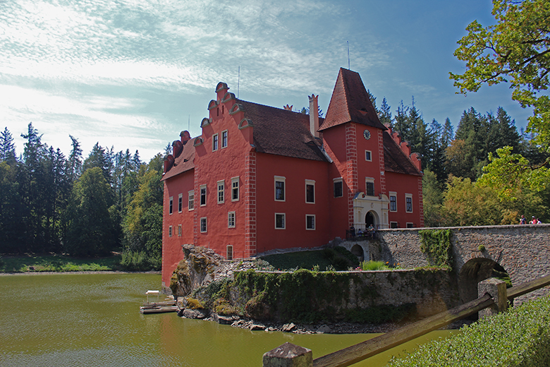 Fotogrrafie: zámek Červená Lhota